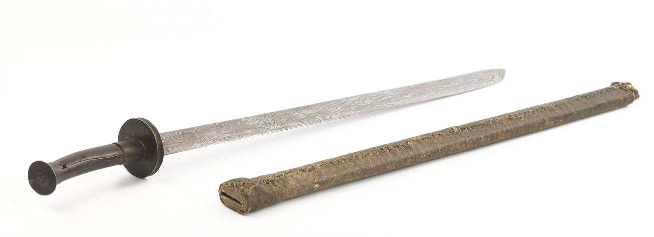 A Chinese zhibeidao type sword with very unusual and wild pattern welded blade