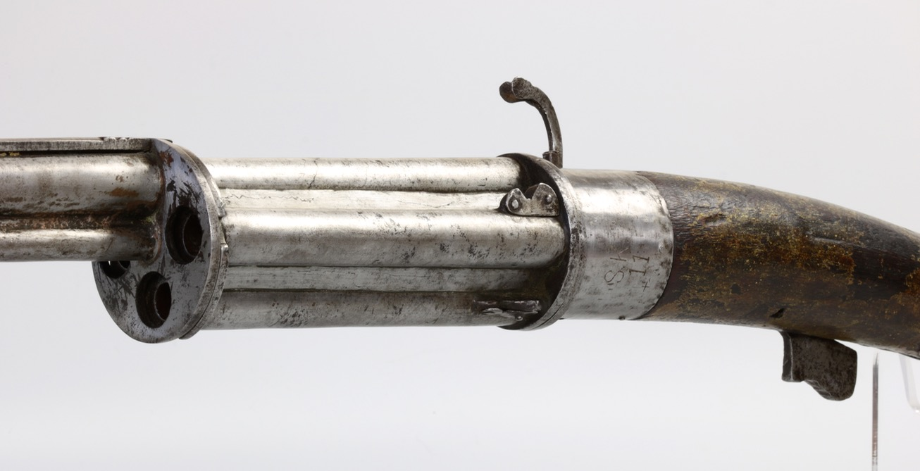 An Indian revolving matchlock musket. www.mandarinmansion.com