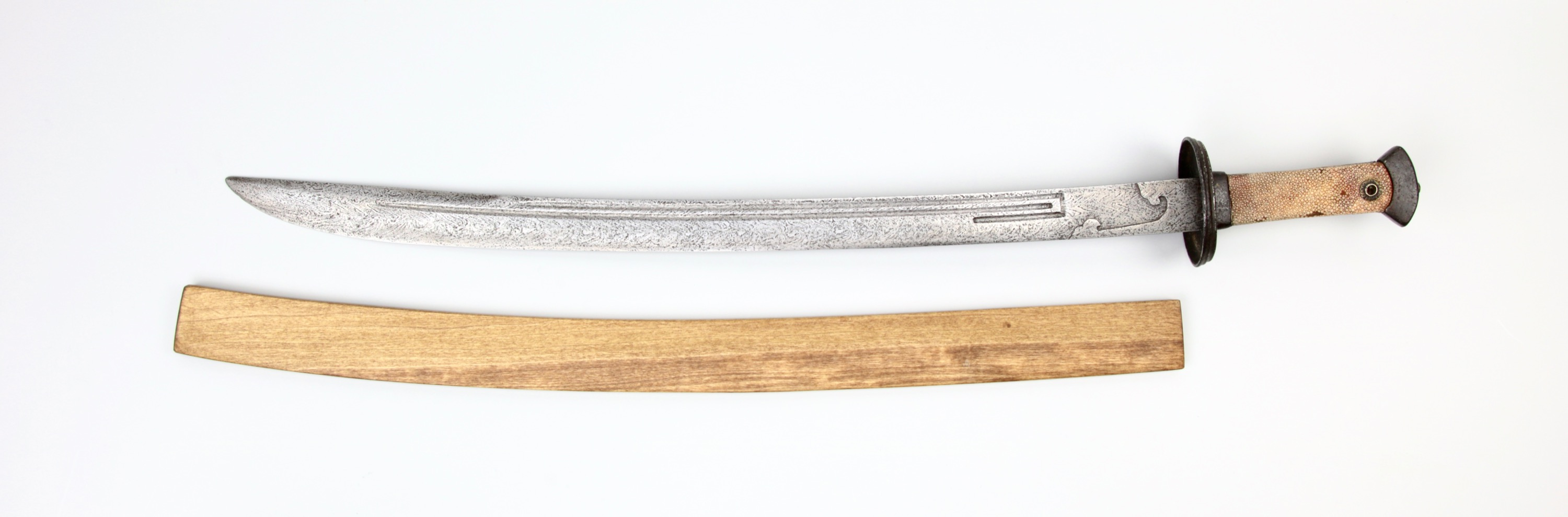 Ray-skin covered hilt and wooden scabbard