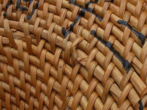 Making a Chinese rattan shield