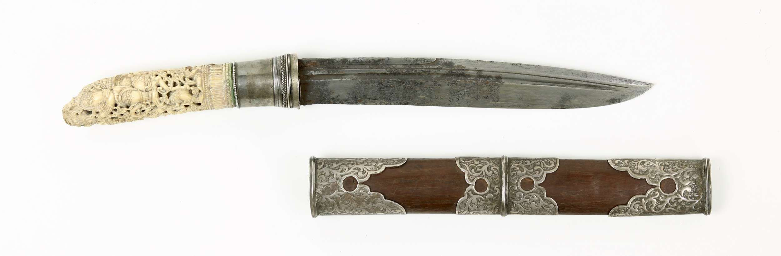 Fine Burmese dha hmyaung with carved ivory hilt