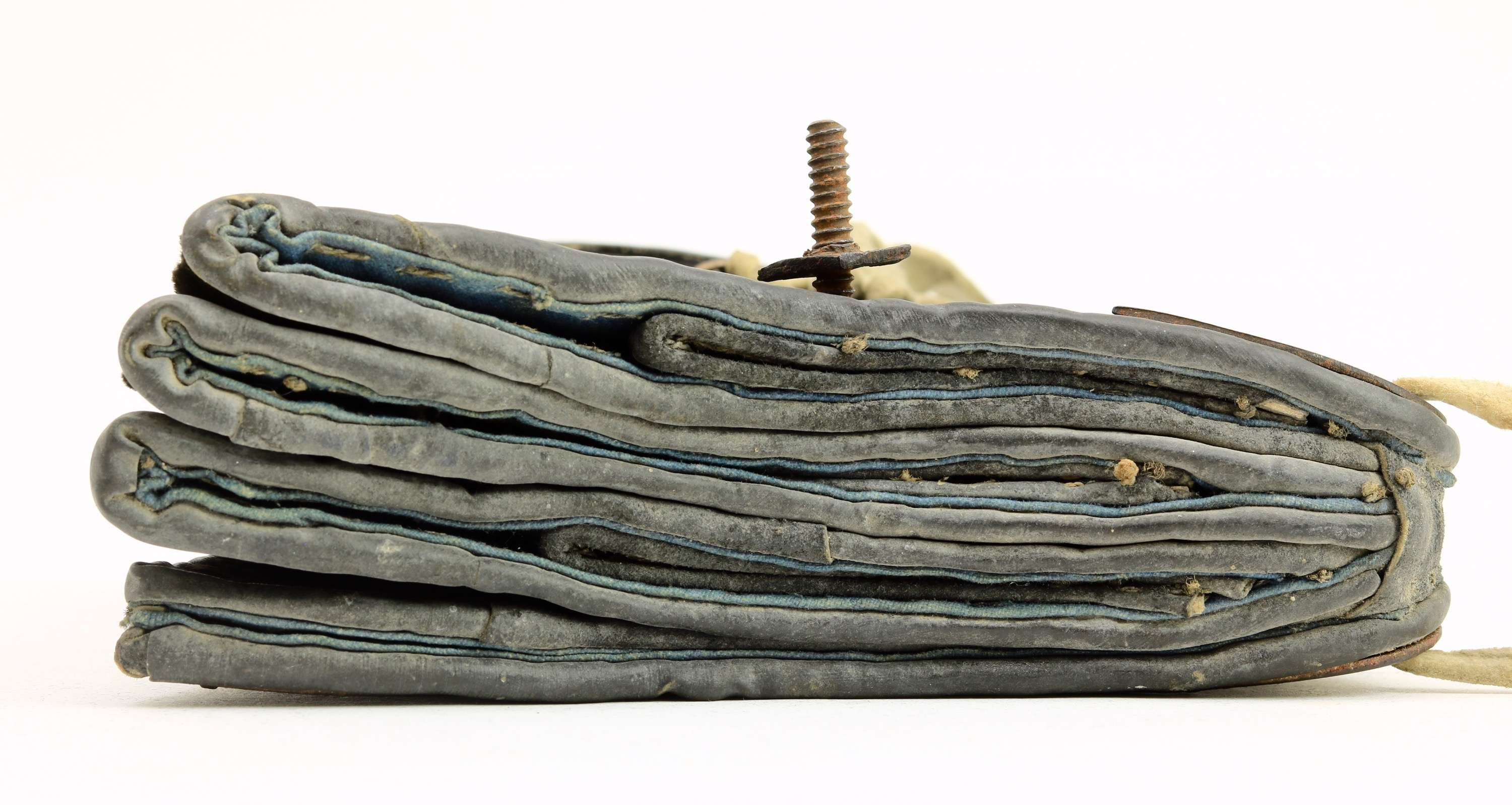 Rare Qing bowcase and quiver with golden damascened iron mounts